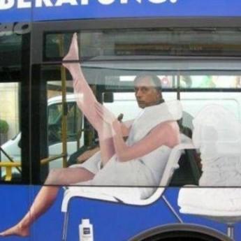 Pekná reklama na autobuse :D