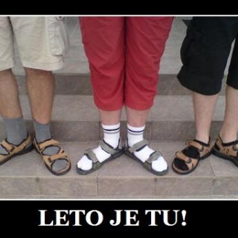 Ponožky v sandáloch!
