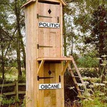 Politici proste serú na ľudí