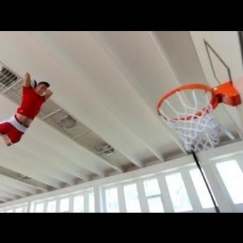 Borci s basketbalovou loptou