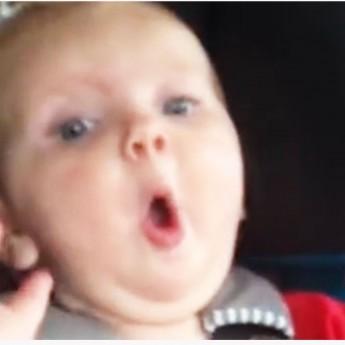 Ako utíšiť dieťa v aute