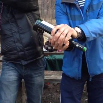 Improvizácia pri otváraní vína